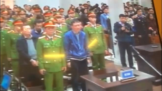 Những hình ảnh đầu tiên của bị cáo Đinh La Thăng, Trịnh Xuân Thanh tại tòa