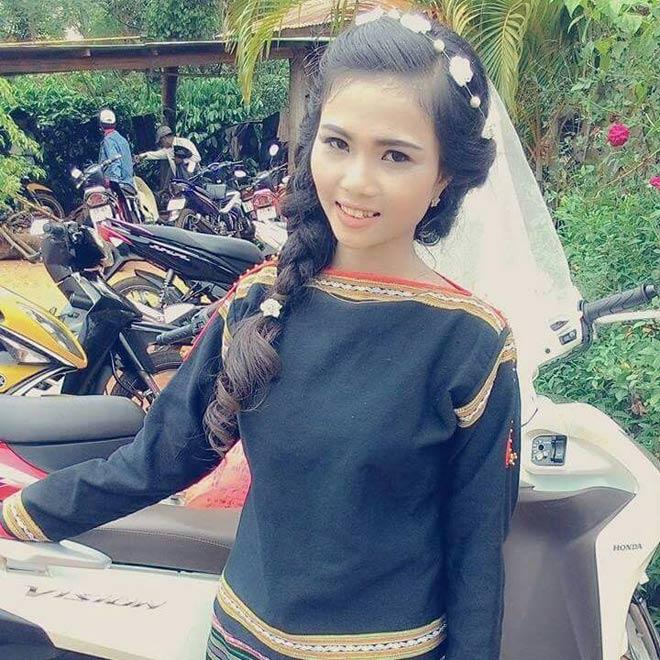 Cô em gái đẹp lạ của tân Hoa hậu Hoàn vũ nóng bỏng - 11