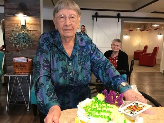 Sốc với bí kíp sống lâu của bà cụ Mỹ 104 tuổi - 1