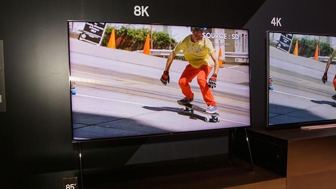 Samsung khoe QLED TV 8K cực lớn hỗ trợ AI - 1