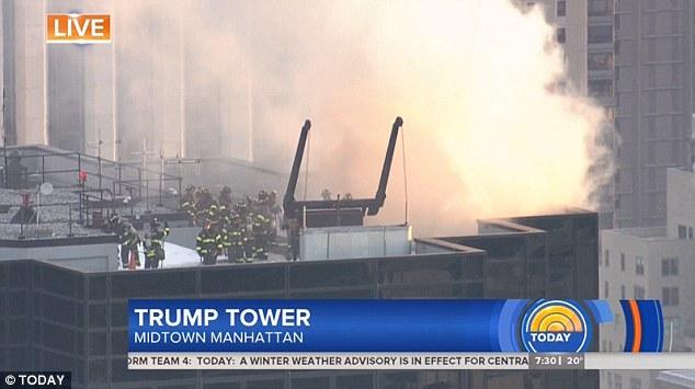 Nhà chọc trời của Trump bị cháy, khói đen bốc nghi ngút từ đỉnh - 1