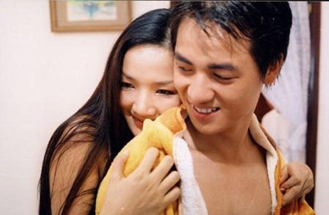 Những cảnh táo bạo của Hoa hậu Việt khiến người xem đỏ mặt - 2