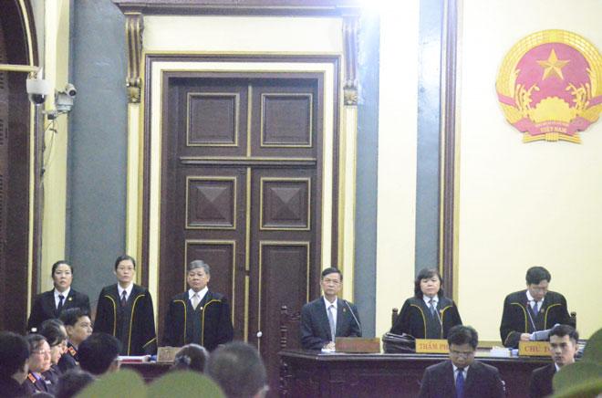 Bất ngờ lời khai lý lịch trước tòa của Trầm Bê - 7
