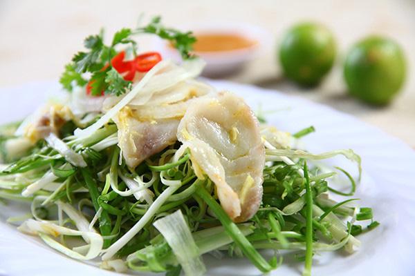 Có một quán Gỏi cá gia truyền 3 đời, chỉ bán 40 dĩa 1 ngày, ăn là nghiền ở Sài Gòn - 1