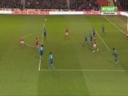 Chi tiết Nottingham - Arsenal: Walcott dứt điểm vô vọng (KT)