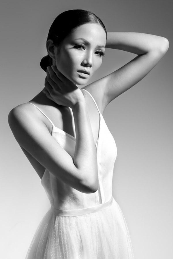 Tân Hoa hậu Hoàn vũ Việt Nam thuở tóc tai trường xinh như búp bê - 12