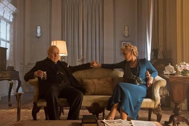 Nam diễn viên thủ vai cựu Thủ tướng Churchill vượt mặt Tom Hanks - 3