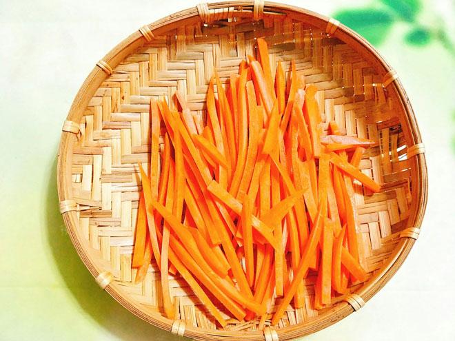 Tuyệt chiêu làm mứt cà rốt không cần nước vôi trong mà vẫn dẻo ngon bất ngờ - 3