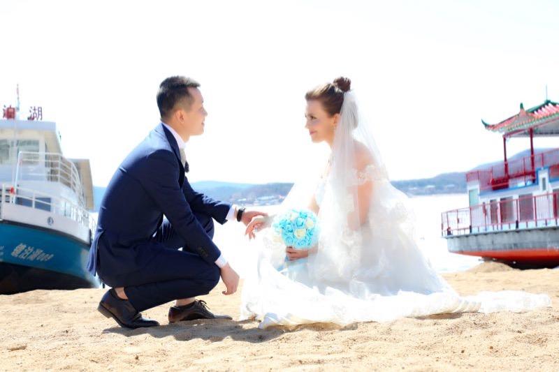 21 cô vợ Tây xinh đẹp của đàn ông TQ khiến người khác ghen tị - 15