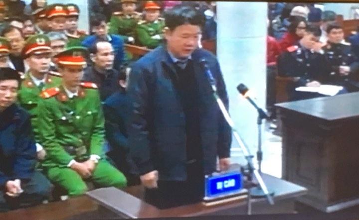 """Ông Đinh La Thăng: """"Bị cáo day dứt về khuyết điểm tại dự án Thái Bình 2"""" - 1"""