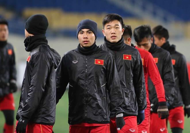 """U23 Việt Nam hứng khởi """"làm nóng"""" chờ so tài U23 châu Á - 3"""