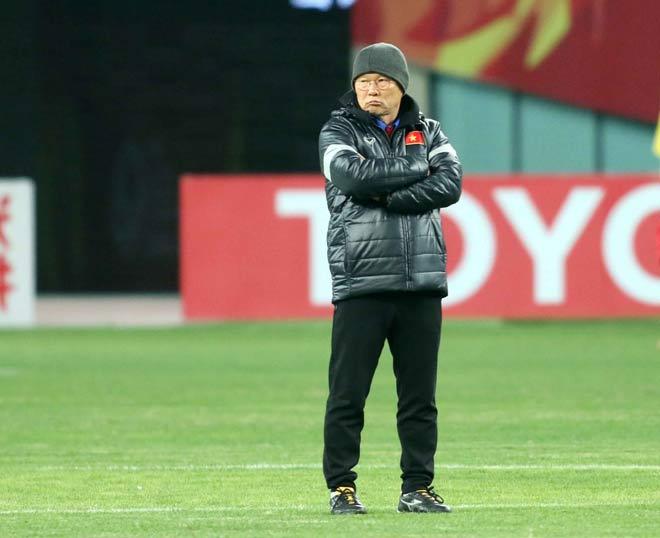 """U23 Việt Nam hứng khởi """"làm nóng"""" chờ so tài U23 châu Á - 10"""