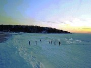Kinh ngạc cảnh bãi biển đóng băng vì rét kỷ lục ở Mỹ