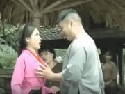 Sao Việt không ngại những cảnh khoe ngực, phản cảm trong hài Tết