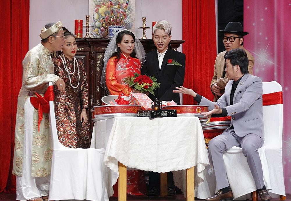 """Hoài Linh: """"Phi Nhung từng xin mẹ hỏi cưới tôi"""" - 3"""