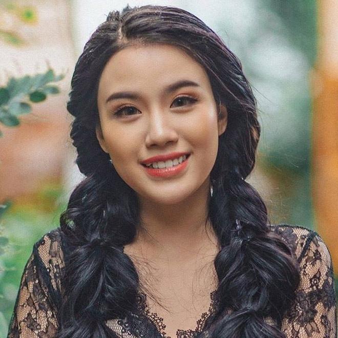 Linh Miu tung MV tràn ngập cảnh cởi áo, khoe da thịt gây phản cảm - 3
