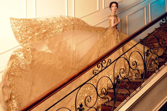 Gái hai con Đan Lê diện váy cưới như nữ hoàng - 3