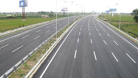 """""""Mắt thần"""" phát hiện gần 1.000 tài xế vi phạm trên cao tốc Hà Nội- Lào Cai - 1"""