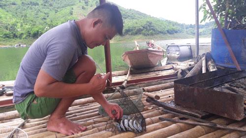 Cá lồng đặc sản sông Đà, xuân nào bán cũng chạy - 4