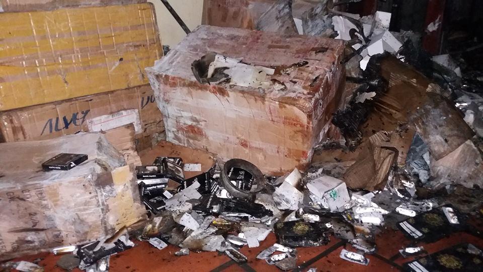 """HN: Cháy nhà 3 tầng, 4 mẹ con thoát chết nhờ """"bảo bối"""" cứu hỏa này - 2"""