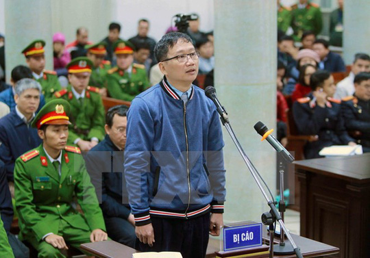 Luật sư truy vấn ông Đinh La Thăng tại tòa - 1