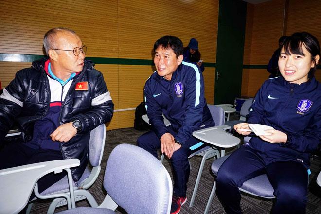 Sếp nữ xinh U23 Hàn Quốc dẫn quân đấu Công Phượng, Xuân Trường - 3
