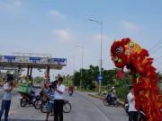 CLIP: Nhóm người tổ chức múa lân mừng xả trạm tại BOT Sóc Trăng