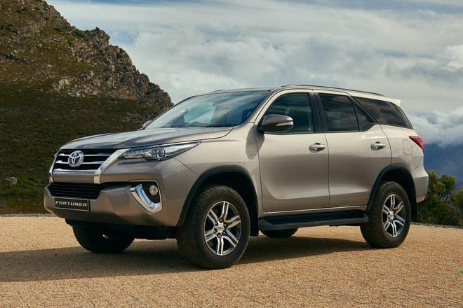 Doanh số Toyota Fortuner tụt dốc chóng vánh - 3