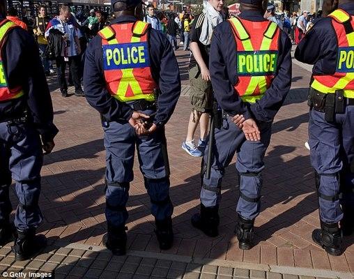 """Nam Phi: Kẻ hãm hiếp bị nạn nhân tấn công gần đứt lìa """"của quý"""" - 1"""