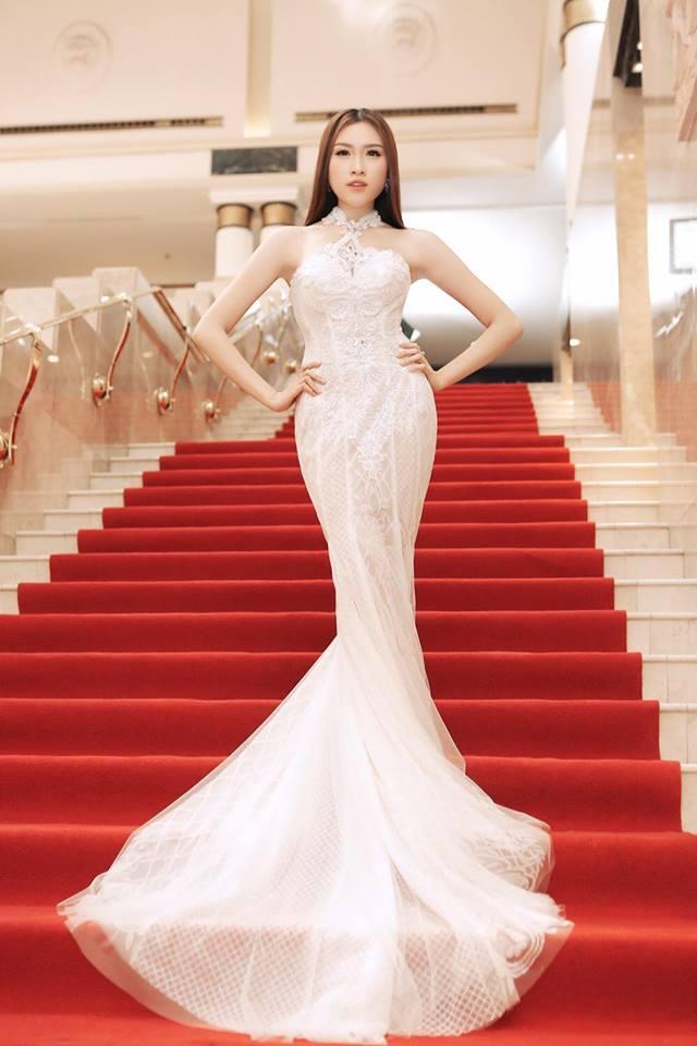 Sở thích mặc gợi cảm của nữ MC VTV từng thi hoa hậu - 13