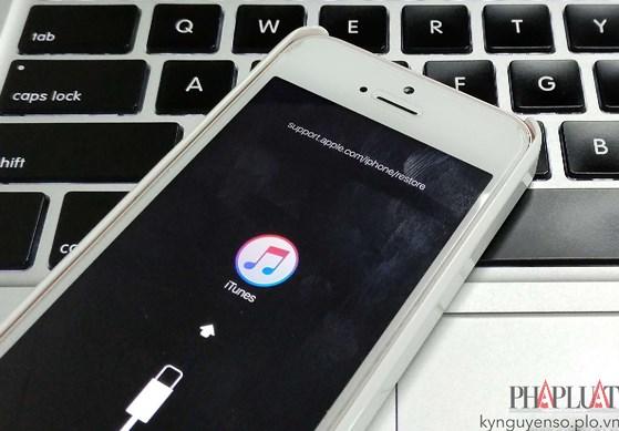 Apple bất ngờ cho phép hạ cấp iOS - 5