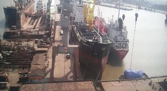 Cả 4 thuyền viên trong vụ nổ tàu đều đã tử vong - 1
