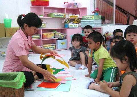 Giáo viên mầm non được hưởng nhiều chế độ, chính sách mới - 1