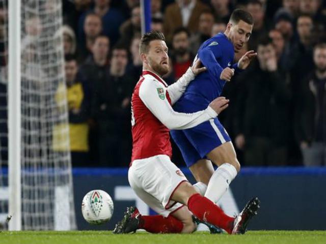 Chelsea - Arsenal: Bắn phá dữ dội, khung thành rung chuyển