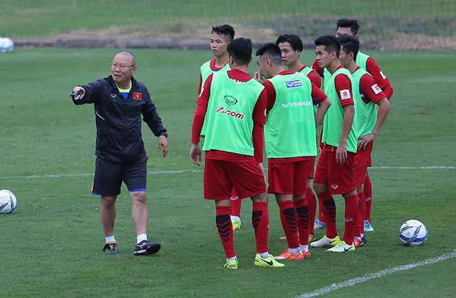 """HLV Hàn Quốc khen U23 Việt Nam mạnh hơn ĐTQG, nhà báo quốc tế """"mù tịt"""" - 2"""