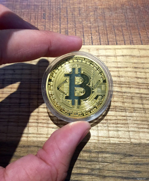 Đủ loại quà lưu niệm Tết 2018 dưới hình dạng đồng Bitcoin - 1
