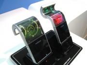 Smartphone có thể gập lại của Samsung lại hoãn tới năm sau