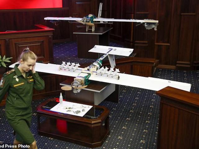 """Nga """"choáng"""" với máy bay không người lái hiện đại của IS"""