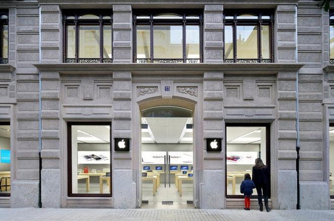 NÓNG: Pin iPhone lại vạc nổ tại hai cửa dãy Apple Store - 1