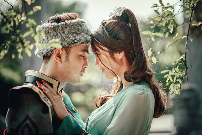 """Vợ chất Ưng Hoàng Phúc hóa """"Quách Tĩnh, Hoàng Dung"""" trong suốt MV cổ trang - 7"""