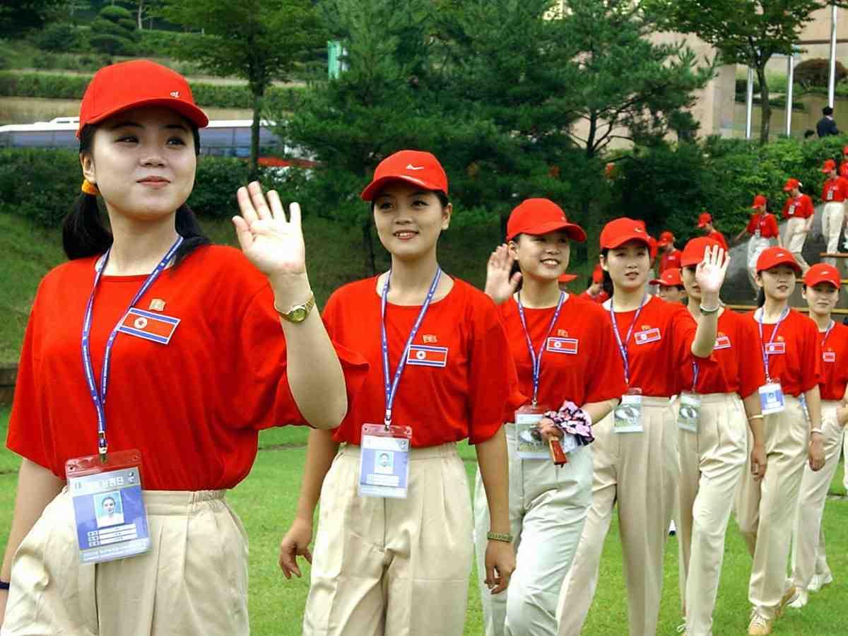 """Ngắm """"đội quân"""" toàn mỹ nữ của Triều Tiên đi cổ vũ ở nước ngoài - 4"""