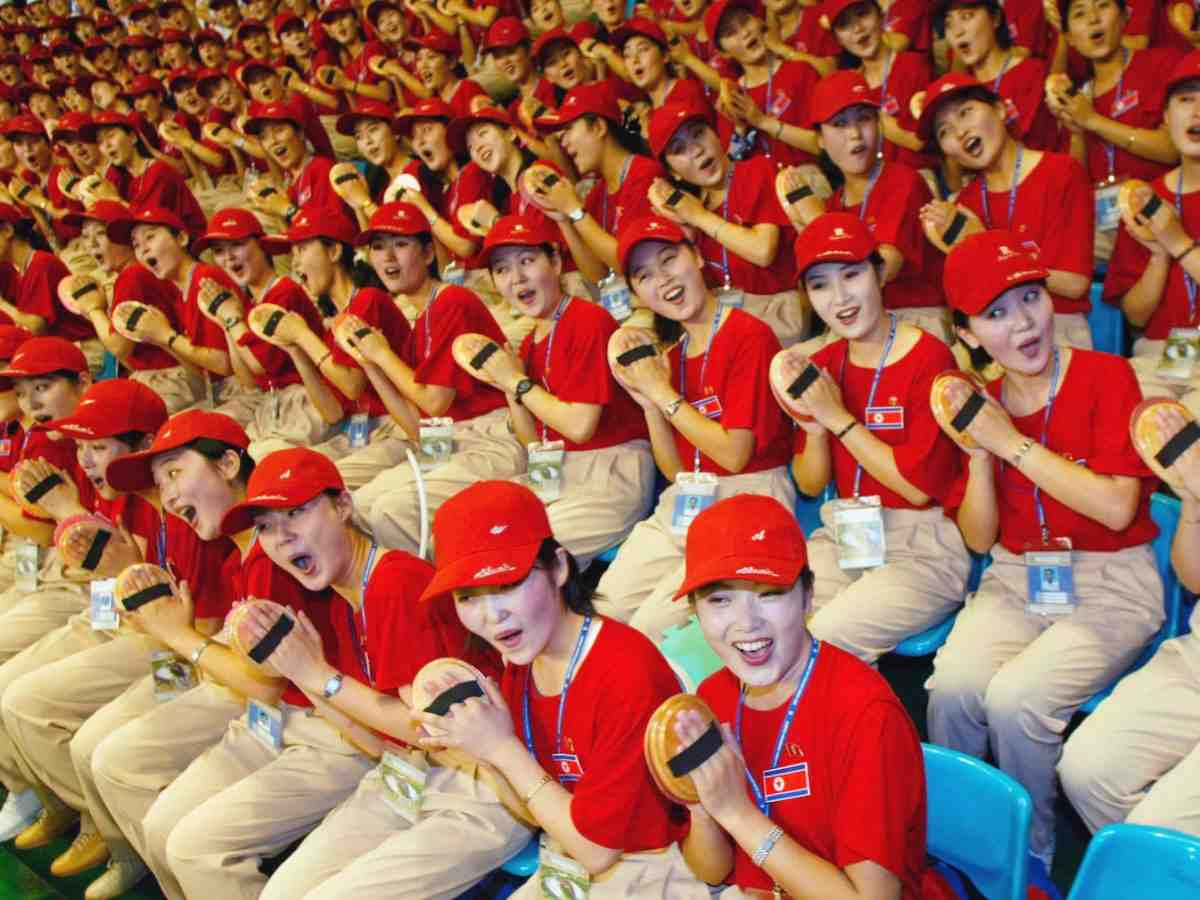 """Ngắm """"đội quân"""" toàn mỹ nữ của Triều Tiên đi cổ vũ ở nước ngoài - 1"""