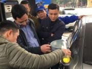 """Tin tức trong ngày - Vụ """"xe 70 lít đổ được gần 80 lít xăng"""": Kết quả thực nghiệm đầy bất ngờ"""