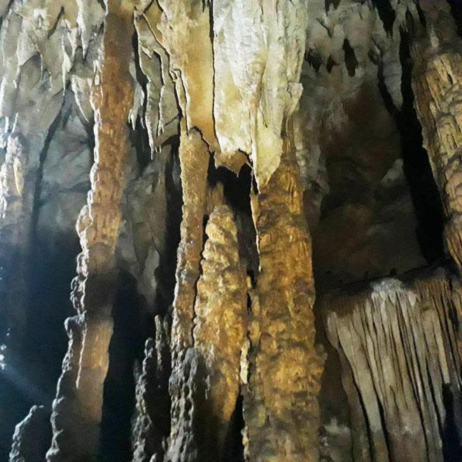Ở Điện Biên có một hang động nguyên sơ đẹp đến khó tin - 12