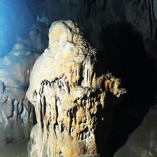 Ở Điện Biên có một hang động nguyên sơ đẹp đến khó tin - 9