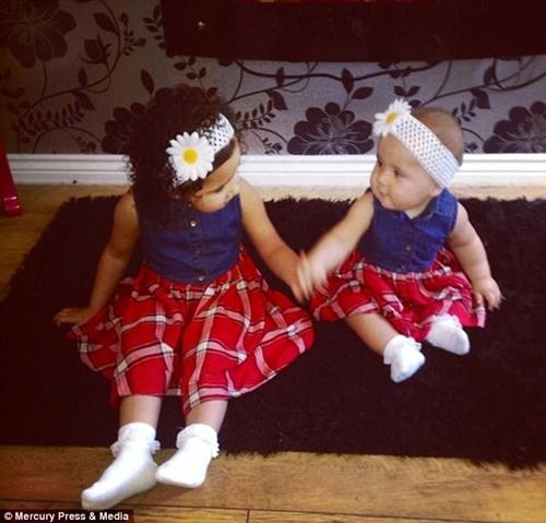 Phối đồ sành điệu cho hai con nhưng bà mẹ trẻ nhận về toàn chỉ trích - 5