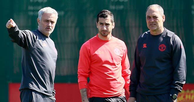 """""""Bom tấn"""" cực nóng: Mourinho phá lệ chợ đông vì Sanchez - 3"""