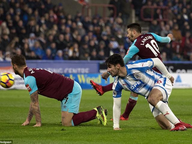 Huddersfield - West Ham: Hiệp 2 bay bổng, đại tiệc ấn tượng