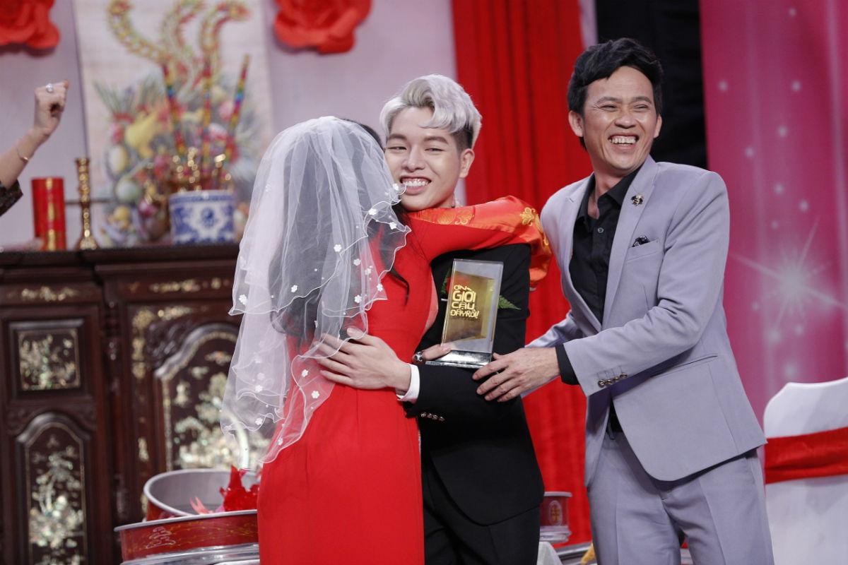 Hoài Linh thán phục, Trường Giang đổ mồ hôi vì chàng ca sĩ chưa từng diễn xuất - 10