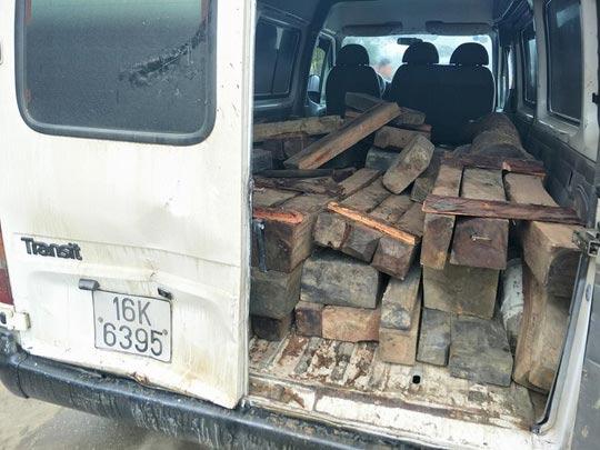 Kiểm lâm rượt đuổi xe chở gỗ như… phim hành động - 1